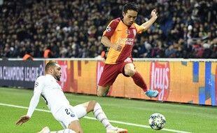 Yuto Nagatamo en Ligue des champions avec Galatasaray face au PSG.