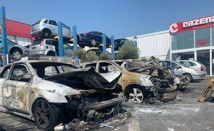 L'incendie a touché sept véhicules sur le parking de l'entreprise Cazenave Pièces Autos, à Colomiers.