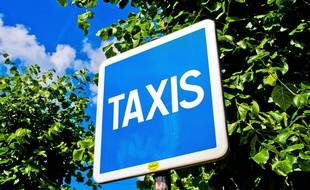 Un panneau Taxis (illustration)