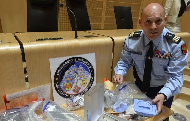 Le lieutenant colonel Laurent Lessaffre de la section de recherche de la gendarmerie de Pau explique que l'enquête a démarré grâce à la vidéo-protection installée sur les distributeurs automatiques.