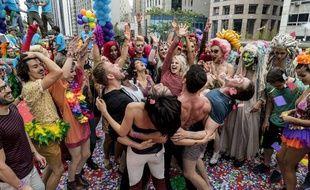 Les «sensitifs» de «Sense8» à la Gay Pride de Sao Paulo, dans la saison 2 de la série.