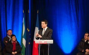 Manuel Valls à Yffiniac dans la région de Saint-Brieuc en Bretagne, le 14 mars 2015