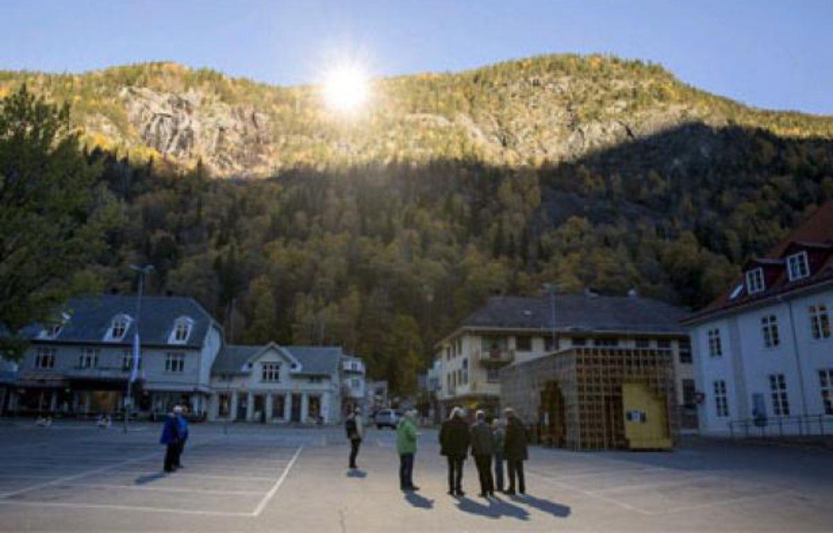 Le village norvégien de Rjukan découvre les rayons du soleil hivernal grâceà trois miroirs géants, le 24 octobre 2013. – Capture d'écran du dailymail.com