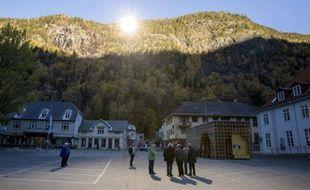 Le village norvégien de Rjukan découvre les rayons du soleil hivernal grâceà trois miroirs géants, le 24 octobre 2013.