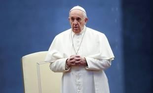 Le pape François sur la place Saint-Pierre, au Vatican, le 27 mars 2020.
