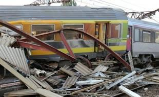 Wagons enchevêtrés le 12 juillet 2013 à Bretigny-sur-Orge.