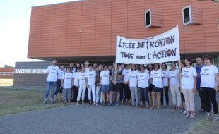 Les professeurs du lycée Pierre-Bourdieu de Fronton sont en grève pour protester contre les problèmes d'informatique de leur établissement, le 6 septembre 2016.