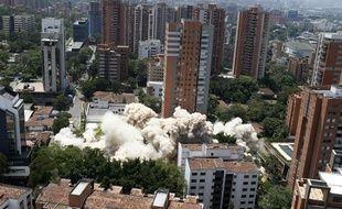 L'immeuble de luxe de Pablo Escobar a été détruit vendredi 22 février à Medellín (Colombie).