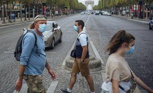 Le port du masque a été rendu obligatoire dans certaines villes de France pour freiner la propagation du coronavirus.