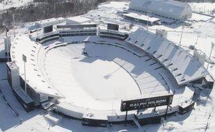 Le stade d'Orchard Park recouvert par la neige dans l'Etat de New-York, dans le nord-est des Etats-Unis, le 20 novembre 2014