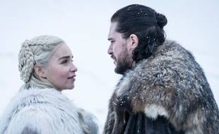 Daenerys (Emilia Clarke)  et Jon (Kit Harington) dans le premier épisode de la série «Game Of Thrones».