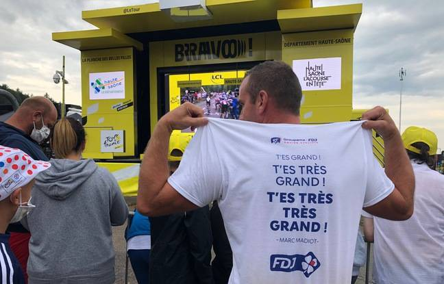 Jérôme et son t-shirt de soutien à Thibaut Pinot. Avec cette célèbre citation du directeur sportif de Groupama-FDF, Marc Madiot.