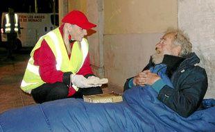 L'association Les Anges gardiens de Monaco aide les sans-abri de Nice.