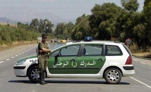 Un jeune chômeur s'est immolé mercredi soir en plein centre de la petite ville d'Aoukas, dans la wilaya (préfecture) de Béjaïa, à quelque 260 km à l'est d'Alger, a rapporté jeudi le quotidien arabophone El-Khabar.