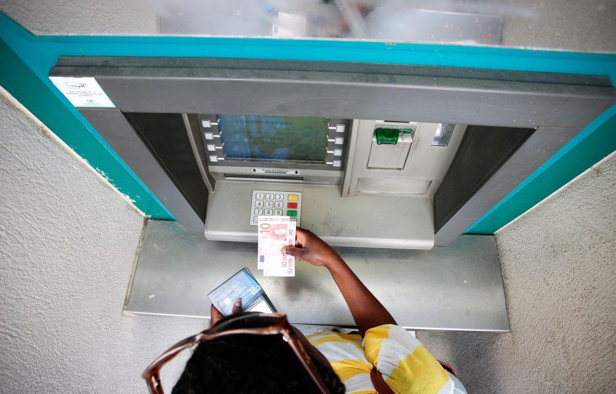 Un distributeur automatique de billets (illustration). – P.MAGNIEN / 20 MINUTES
