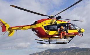 Une hélicoptère de la Sécurité civile a été mobilisé pour tenter de retrouver le jeune homme.