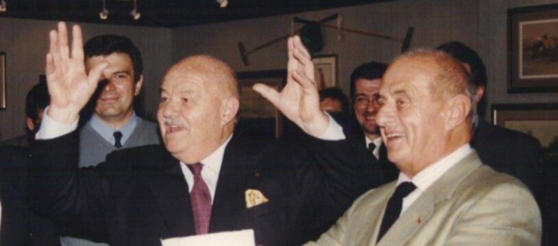 Pierre Troisgros (à gauche) et son complice de toujours Paul Bocuse lors d'un voyage à Moscou.