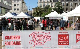 La braderie «Mamans en fête» est organisée pour la troisième année consécutive à Nantes.
