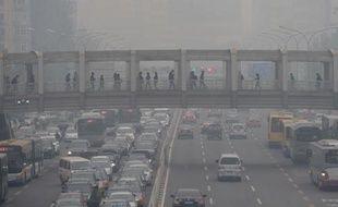 Un jour de pollution atmosphérique à Pékin, le 8 octobre 2014