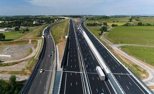 video montpellier la nouvelle autoroute a9 film e depuis un drone. Black Bedroom Furniture Sets. Home Design Ideas