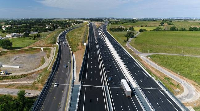 video montpellier la nouvelle autoroute a9 film e depuis un drone. Black Bedroom Furniture Sets. Home Design Ideas