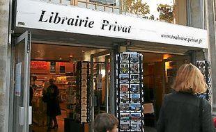 La librairie a rouvert ses portes.
