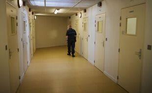 Un gardien pénitentiaire dans la prison de Fleury-Mérogis (Essonne), en mai 2020 (illustration).