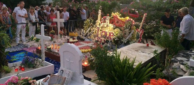 Johnny a été transféré de la tombe où il avait été inhumé en décembre 2017.