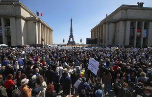 Manifestation réclament «justice» pour Sarah Halimi, au Trocadero à Paris, le 25avril 2021.