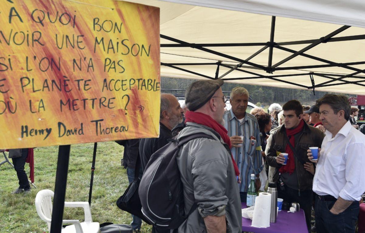 Jean-Luc Mélenchon à la manifestation contre le barrage dans le Tarn, le 25 octobre 2014. – PASCAL PAVANI / AFP
