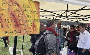Jean-Luc Mélenchon à la manifestation contre le barrage dans le Tarn, le 25 octobre 2014.
