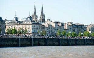 La commande publique demande aux artistes de travailler autour de la thématique du fleuve.?