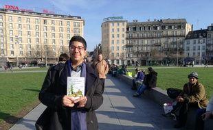 Amir Fehri et le deuxième tome de ses contes de Meer (Edilivre), accessibles en ligne depuis le début du mois de mars.