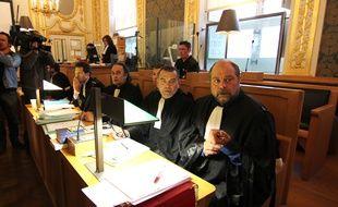 Les avocats de Daniel Legrand, acquitté de l'affaire Outreau, à la cour d'assises pour mineurs d'Ille-et-Vilaine. Au premier plan Me Eric Dupont-Moretti et Franck Berton.