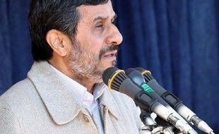 """L'Iran rejette les accusations """"ridicules"""" et """"sans fondement"""" des autorités de Bahreïn selon lesquelles il serait lié à un groupe de Bahreïnis planifiant des attentats dans ce pays, a annoncé lundi la télévision d'Etat, citant un haut responsable des Affaires étrangères."""