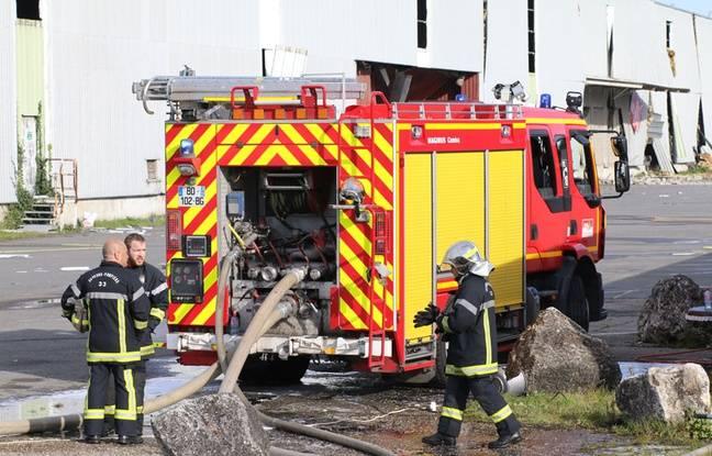 Environ 80 pompiers sont sur place, dans la cour de l'entreprise CD Trans à Bassens où plusieurs camions ont explosé