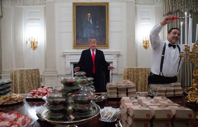 Donald Trump dans la salle à manger de la Maison Blanche.