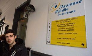 Dans une agence de la Caisse nationale d'assurance vieillesse de Paris le 31 octobre 2012.