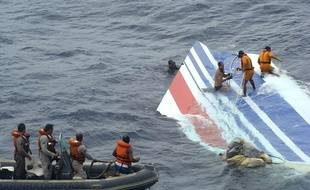 Les débris du Rio-Paris n'ont fait surface que six jours après le crash de l'Airbus d'Air France, le 1er juin 2009.