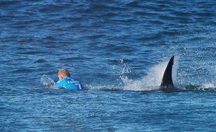 L'Australien Mick Fanning a été attaqué alors qu'il allait prendre une vague.