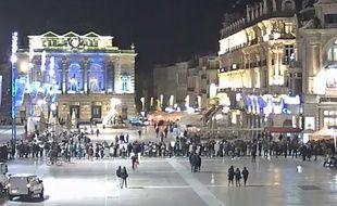 La file d'attente du Popeyes vue depuis la webcam de la Comédie à Montpellier.