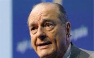 L'ancien président Jacques Chirac, mis en examen dans l'affaire des chargés de mission de la Ville de Paris, a été une nouvelle fois été récemment entendu par la juge chargée de l'enquête, a-t-on appris mardi de source proche du dossier.