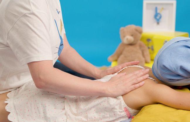 Illustration d'un massage spécial pour les enfants atteints de cancer.