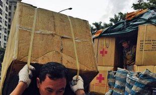 Les Nations unies devaient lancer mardi un appel urgent aux dons pour les victimes du typhon qui a ravagé des îles et régions côtières des Philippines vers lesquelles convergeaient plusieurs navires des Marines américaine et britannique.