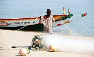 Les pêcheurs de Dakar ont présenté des boutons sur le visage et les membres.