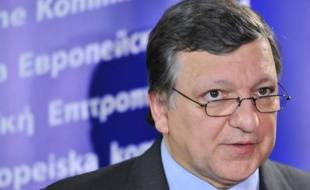 La Commission européenne a sommé mardi le gouvernement hongrois de modifier des lois contraires à l'indépendance de la banque centrale et des juges sous peine de sanctions, a annoncé mardi son président José Manuel Barroso.