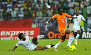La Côte d'Ivoire a obtenu son billet pour les quarts de finale de la CAN-2012 en battant le Burkina Faso (2-0) alors que le suspense reste entier pour l'attribution de la 2e place qualificative du groupe B qui se jouera entre l'Angola et le Soudan, incapables de se départager (2-2), jeudi à Malabo.