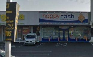 L'enseigne Happy Cash, route de Vannes, victime d'un braquage à la hache lundi (capture Google Street View).