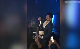 Il renverse une bouteille de champagne à 30 000£ en boite - Le Rewind