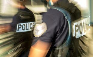 Dix personnes proches de l'ultra-droite ont été interpellées mardi par les policiers de la Sdat (illustration)